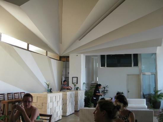 Hotel Bahia Chac Chi: The Lobby