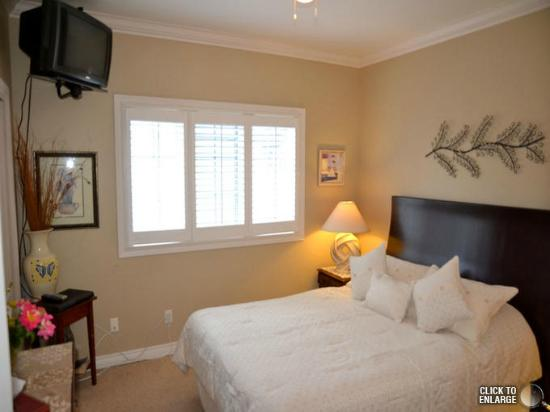 Graystone Bed and Breakfast: Chardonnay Queen Suite