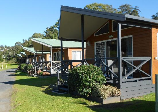 Sapphire Valley Caravan Park: Our 2 Bedroom Polynesian Cabins