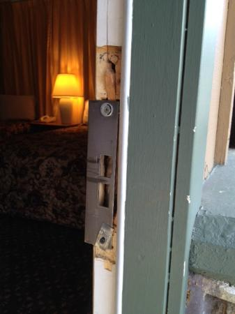 Blue Jay Lodge: Looks like someone broke in!