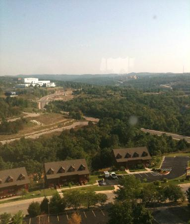Grand Plaza Hotel Branson: View at breakfast from the dining area