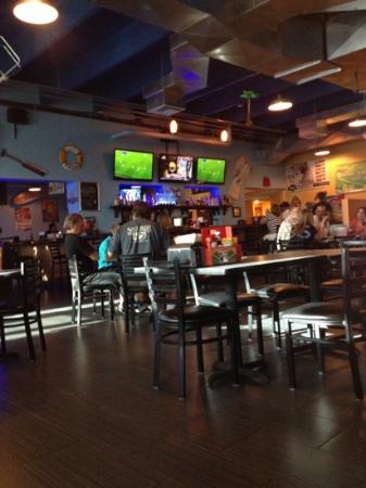 Poolhouse Grill: Main Dine/Bar