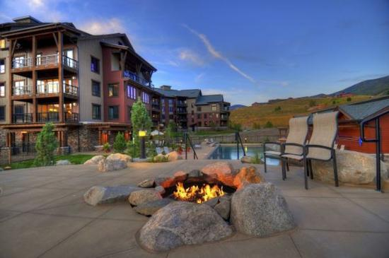 Trailhead Lodge: Trailhead Firepit Pool