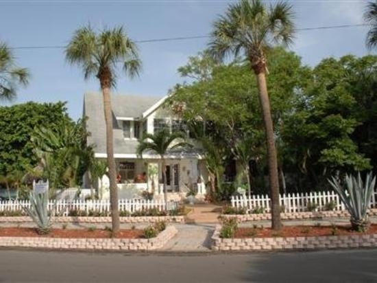 Beach Drive Inn Bed and Breakfast: Other Hotel Services/Amenities