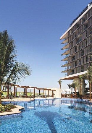 Radisson Blu Hotel, Abu Dhabi Yas Island: Pool