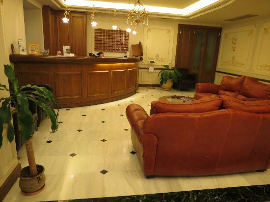 Ippoliti Hotel: Lobby/Reception Desk