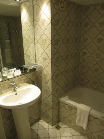 BEST WESTERN Hotel Royal Centre: Bathroom