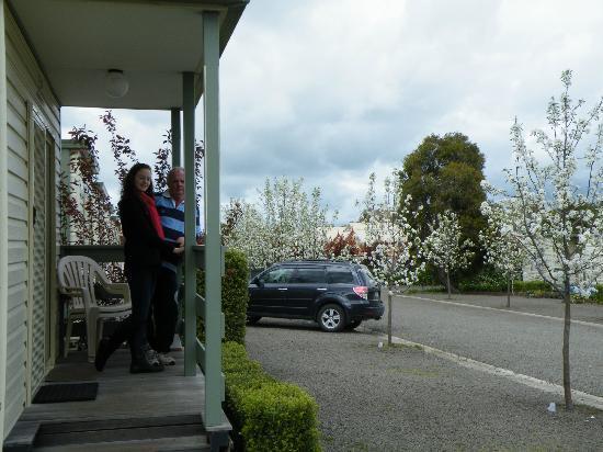 Lake Hamilton Motor Village & Caravan Park : Spring into Lake Hamilton Motor Village
