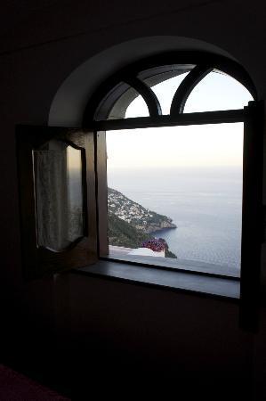 PositanoHouse: La finestra della camera da letto