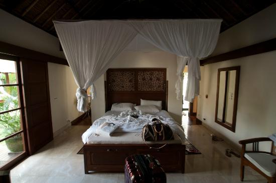 Belmond Jimbaran Puri: Bedroom in Pool Villa