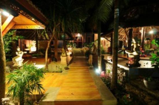 Baan Ton Rak Boutique Resort: Hotel Garden