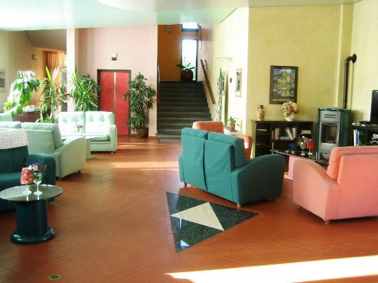 Molino D'Era: La Hall