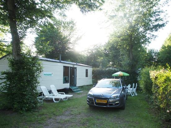 Camping Sandaya Le Chateau des Marais : Caravan