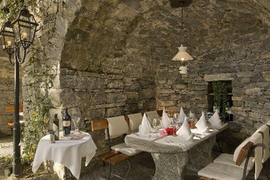 Tegna, Suisse : Grotta