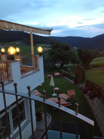 Hotel Sonnenheim: Vista dalla veranda dell'hotel