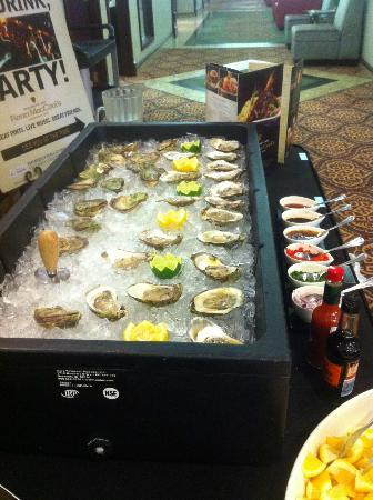 Holiday Inn Conference Ctr Edmonton South: Oyster Bar by Fionn MacCool's Irish Pub