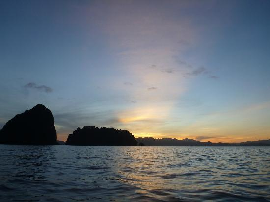 El Nido Resorts Miniloc Island: beautiful sunrise