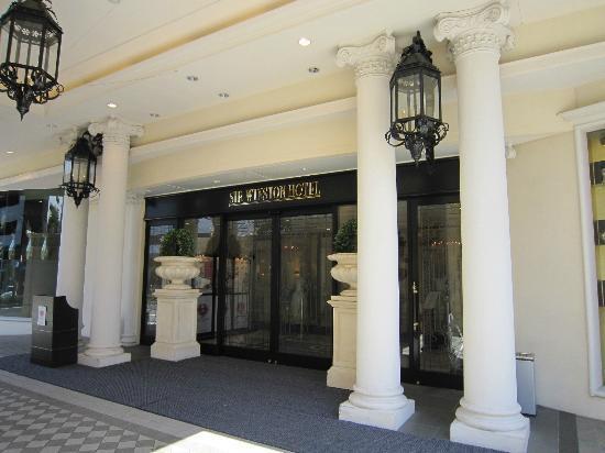Sir Winston Hotel: ホテル入口