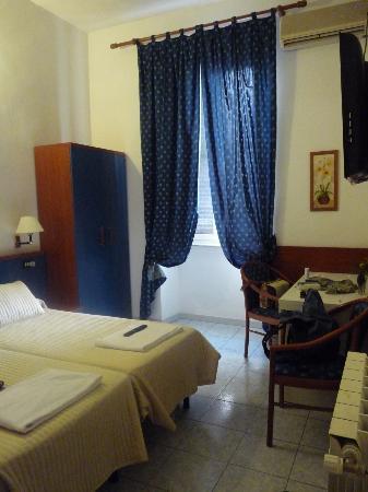 Hotel Ginevra: chambre