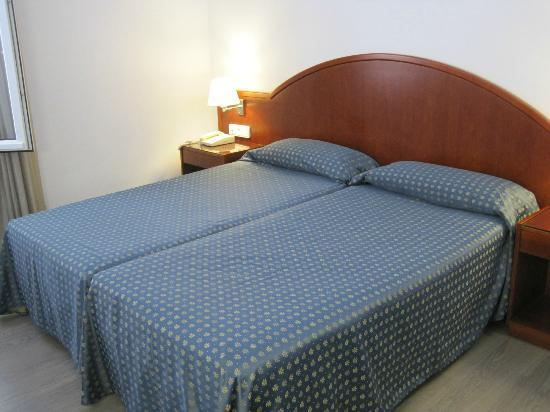 Hotel Mediterrani: Basic double room