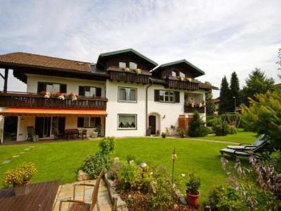 Gastehaus schmid oberstaufen germany hotel reviews for Oberstaufen hotel