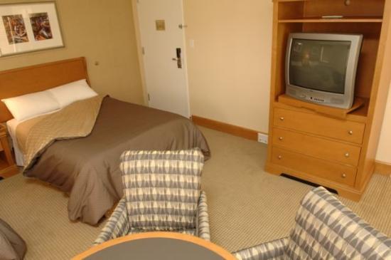The Kirkland Center: Guest Room
