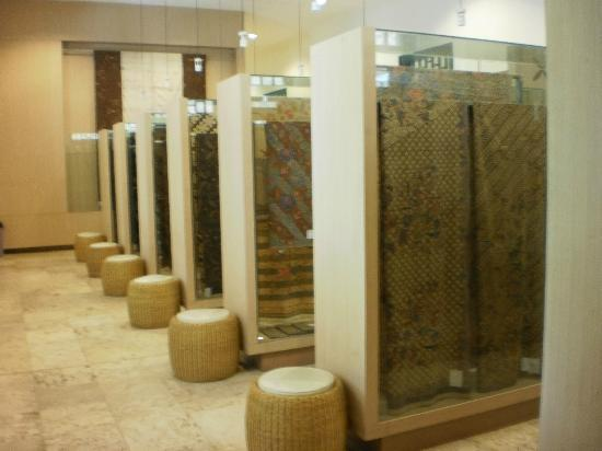 Textile Museum (Museum Tekstil): Rows of Batik Collections