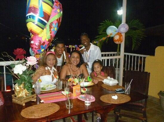 Bocas Paradise Hotel: cumplea?os en el restaurante del hotel Bocas Paradaise
