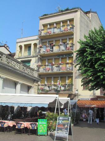 Hotel Elena: front of hotel