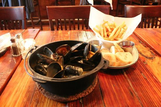 St Arnold's Mussel Bar: st. arnolds mussels