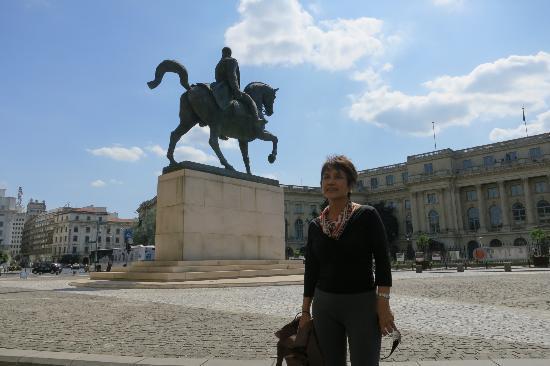 Revolution Square (Piata Revolutiei): Carol I