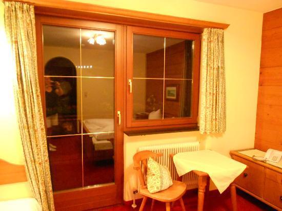 Hotel Stubai : Blick zum Balkon!