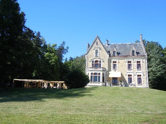 Chateau La Thuiliere : The Chateau