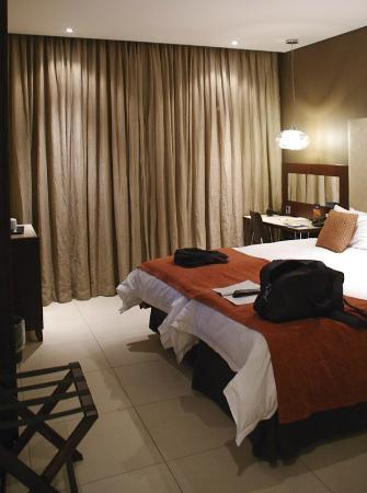 Protea Hotel OR Tambo Airport Transit: Bedroom