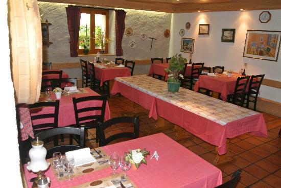 Auberge de la Reunion : Mets de brasserie et petit déjeuner sont servis dans notre 'Petite Salle'