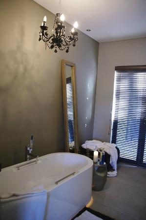 The Olive Exclusive: Beautiful bathroom