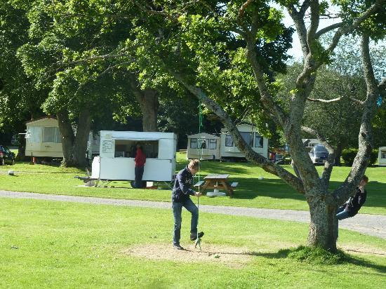 Bunchrew Caravan Park: Catring Van selling hot breakfasts and suppers