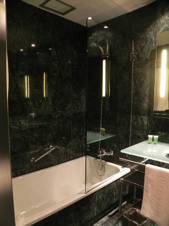 Hotel Vilamari: Bathroom