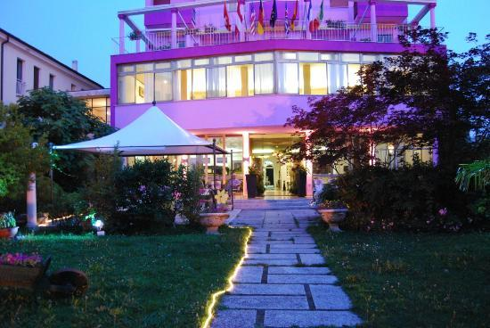 Hotel Terme Eden: facciata