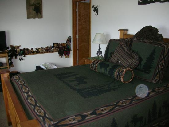 Grand View Bed and Breakfast: Our room (The Moose Room)