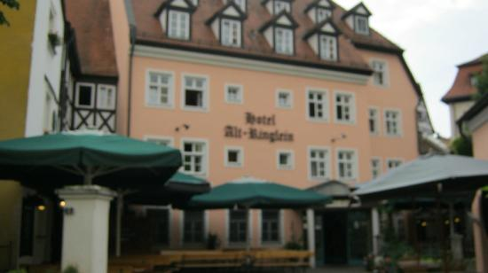 Alt Ringlein: fuzzy photo of the hotel and resturant