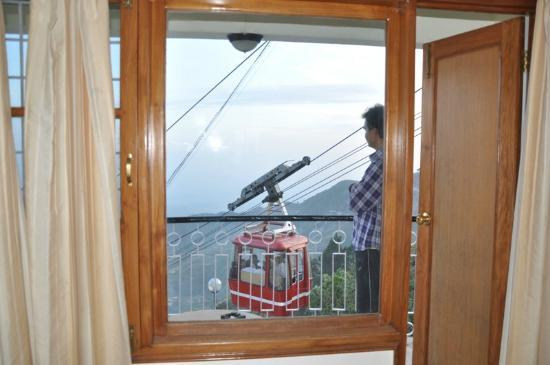 Hotel Mall Palace: The Huge Trolley....Ropeway...