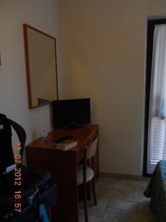 La Rocca Hotel: Desk