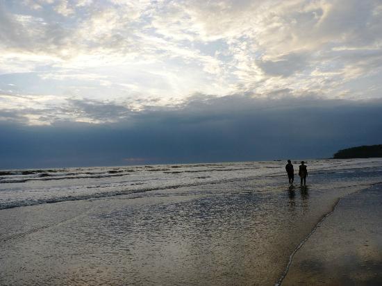 Muzhappilangad Drive-in Beach: best time in Muzhapilagadu beach