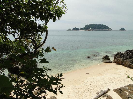 Qimi Chalet: nabijgelegend strand