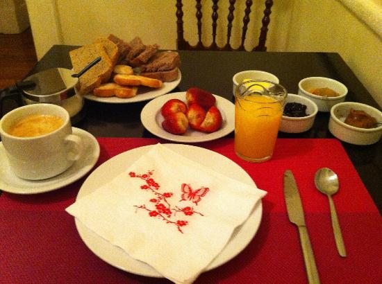 La Perla: delicious breakfast