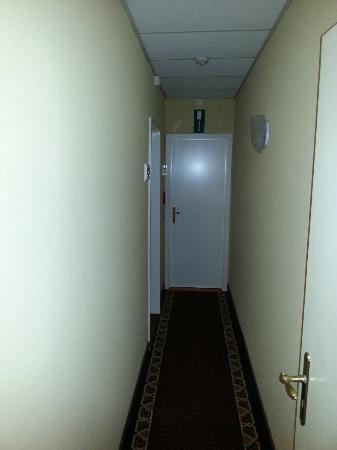 Hotel Avenue: Couloir