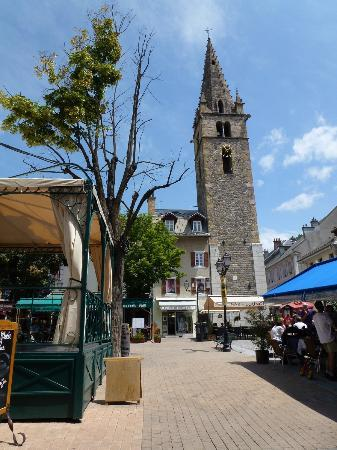 Restaurant Creperie Lou Rastelier: vista della piazza