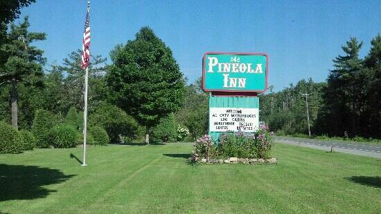Pineola Inn: Privately owned and operated by Vietnam Veteran. Hooah!