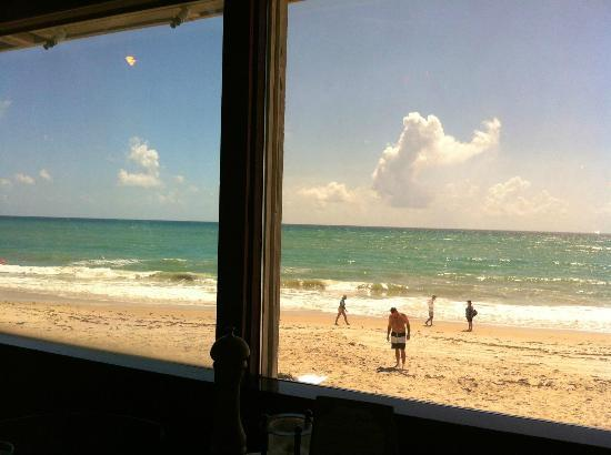 Ocean Grill Restaurant : View from our table...nice!